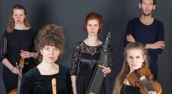 Ensemble Kassiopeia, Quelle: Tim Bayern Das Quintett: Salome Ryser, Sophie Rieth, Cornelia Demmer, Felicia Graf, Umberto Kostanic (vlnr)